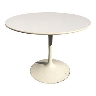 Saarinen-Style Round Dining Table