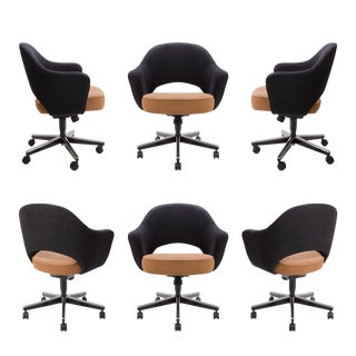 Saarinen for Knoll Executive Arm Chairs in Original Two-Tone Boucle, Swivel Base S/