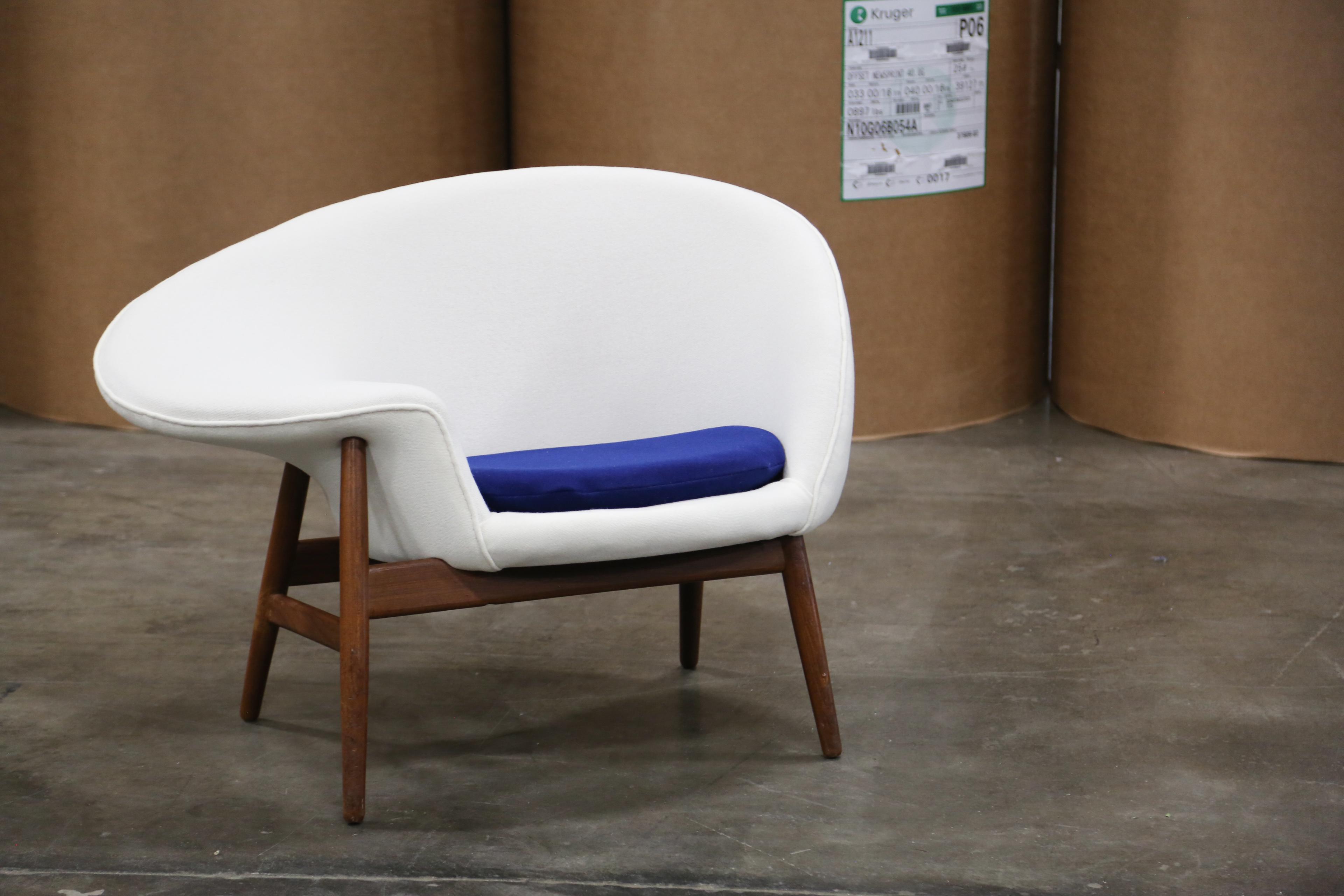 Beautiful Hans Olsen U0027Fried Eggu0027 Lounge Chair   Image ...