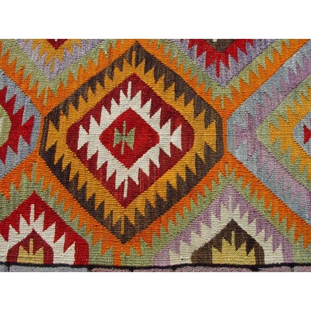 "Vintage Handwoven Turkish Kilim Rug - 4'10 x 8'4"" - Image 10 of 11"