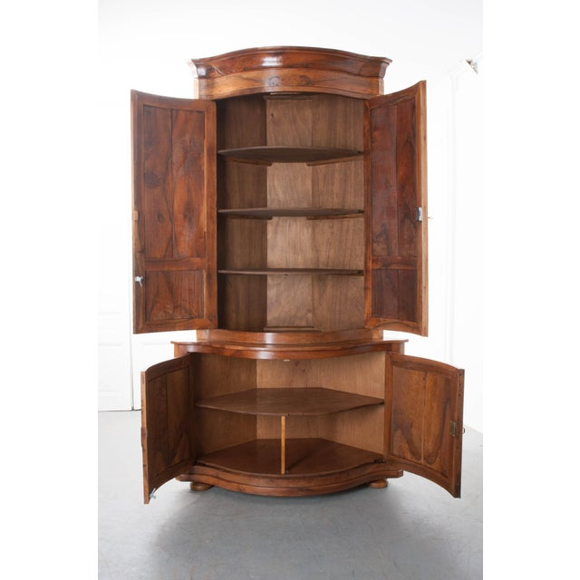 PAIR OF FRENCH 19TH CENTURY WALNUT CORNER CABINETS - Image 8 of 10