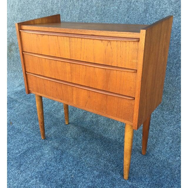 Mid Century Danish Modern Small Scale Drawer Coffee Table: Mid-Century Danish Modern Small Teak Chest