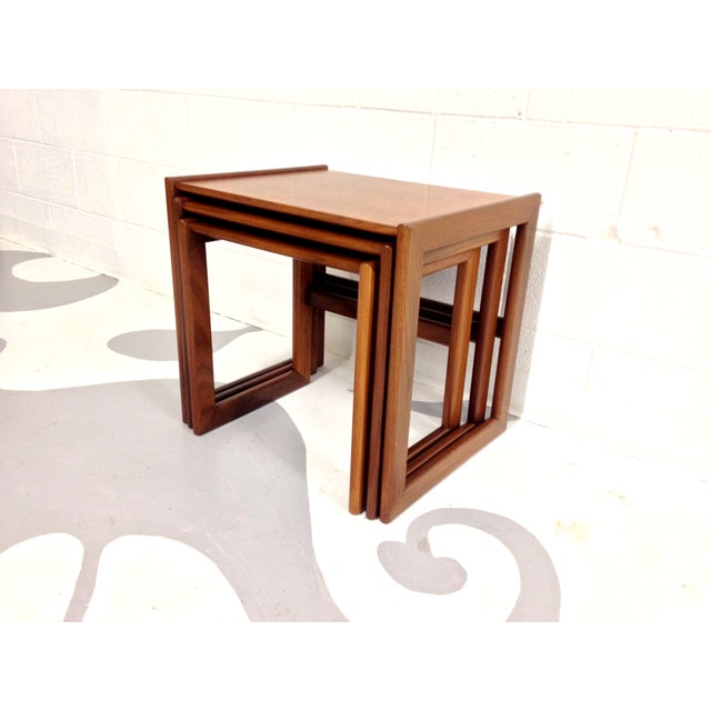 Image of Mid-Century Modern Nesting Tables - Set of 3