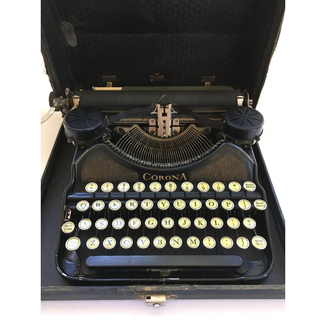 Corona 4 Portable Typewriter With Case - Image 5 of 7
