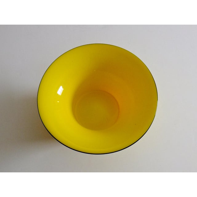 1920's Yellow Glass Bowl - Image 4 of 4