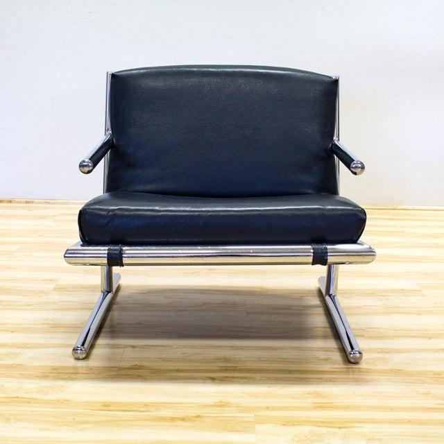 Tubular Chrome & Navy Vinyl Club Chair - Image 3 of 8