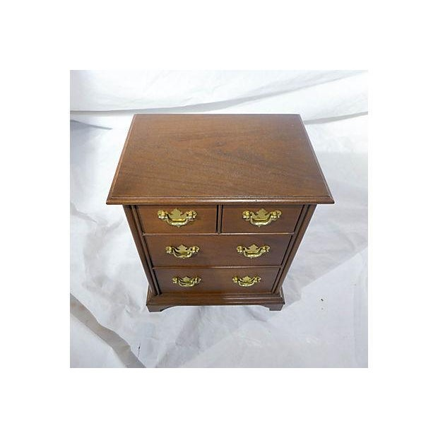 Diminutive Mahogany Dresser Box - Image 6 of 7