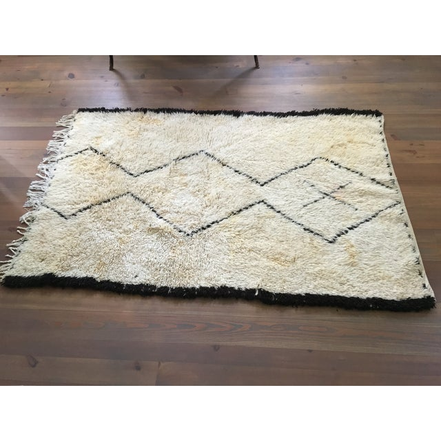 Vintage Moroccan Beni Ourain Rug - 4′4″ × 6′7″ - Image 2 of 8