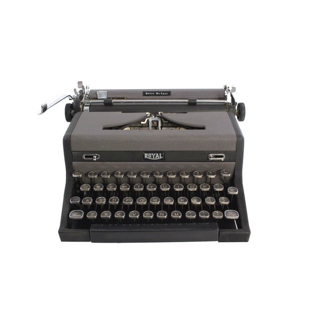 Royal Quiet DeLuxe Typewriter - Image 2 of 7