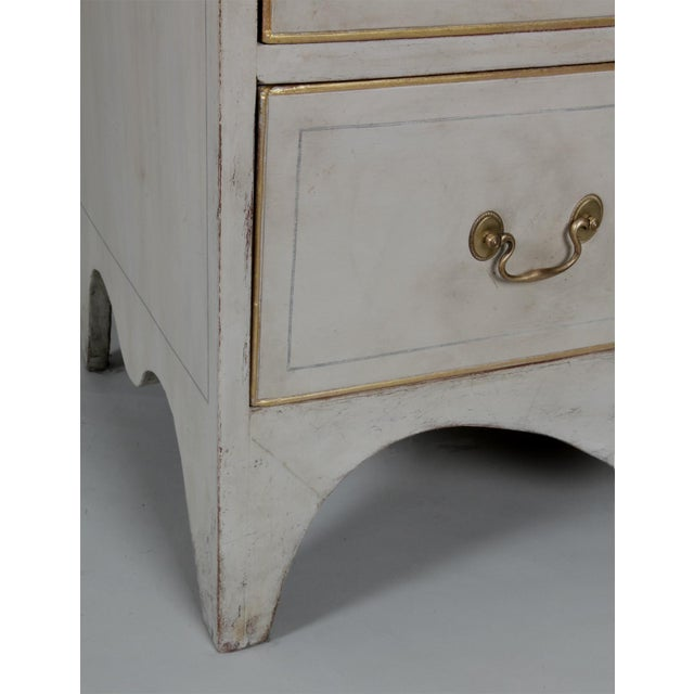 Antique American Country Hepplewhite Painted Chest of Drawers - Image 4 of 7