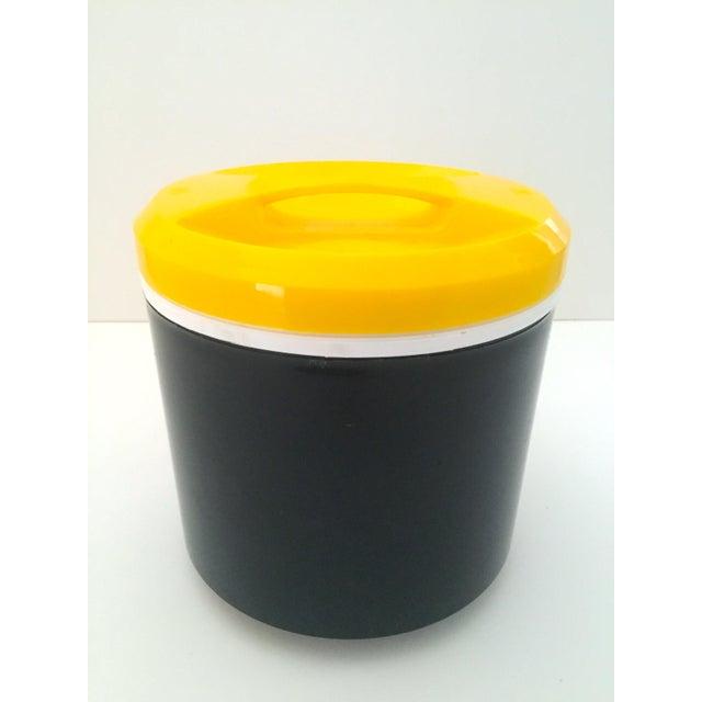 Vintage Italian Blue & Yellow Plastic Ice Bucket - Image 3 of 9