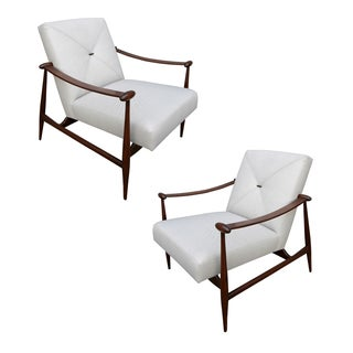 Pair of Liceu de Arte Chairs