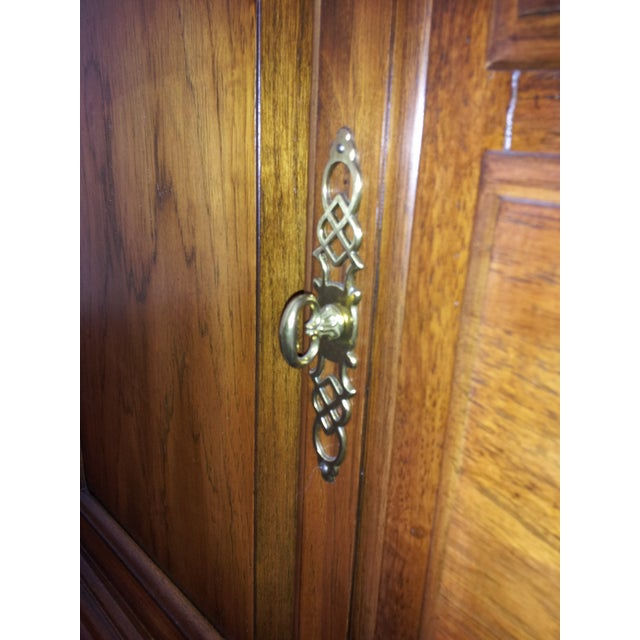 """Thomasville """"Fisher Park"""" China Cabinet/Buffet - Image 5 of 6"""