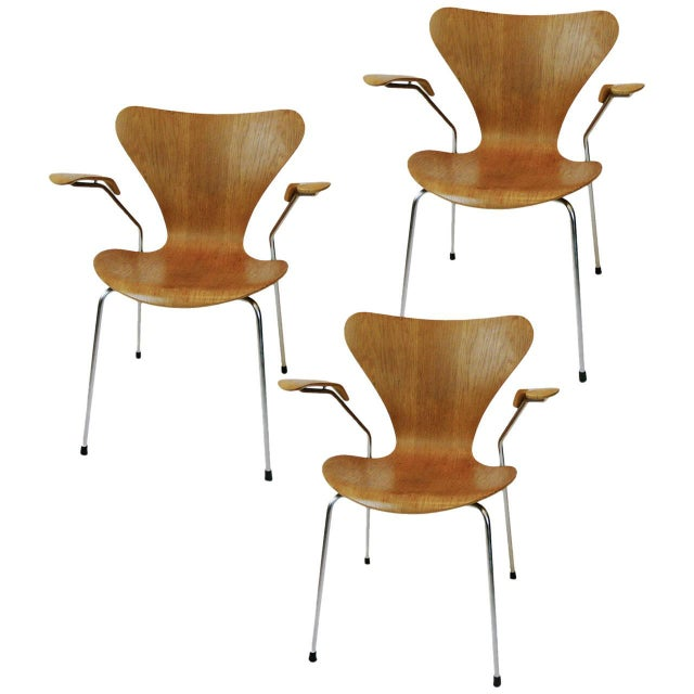 Three Arne Jacobsen Series Seven-Arm Chairs for Fritz Hansen - Image 5 of 6