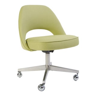 Saarinen Executive Armless Chair with Swivel Base in Green