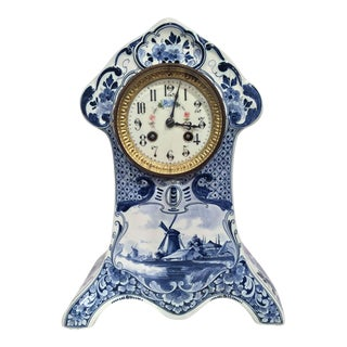 19th Century Blue and White Hand-Painted Delft Mantel Clock in Working Condition