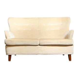 Theo Ruth Style Loveseat