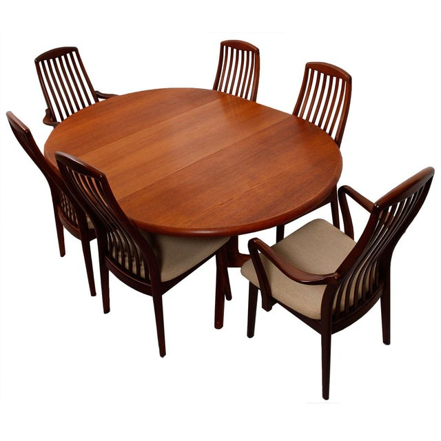 Danish Teak Round-To-Oval Expanding Dining Table - Image 5 of 9