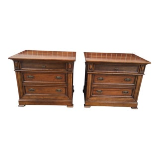 Pair of Neoclassical Italian Nighstands