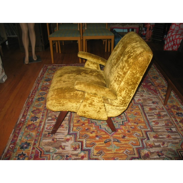 MCM 60s Chartruese Velour Chair - Image 5 of 8