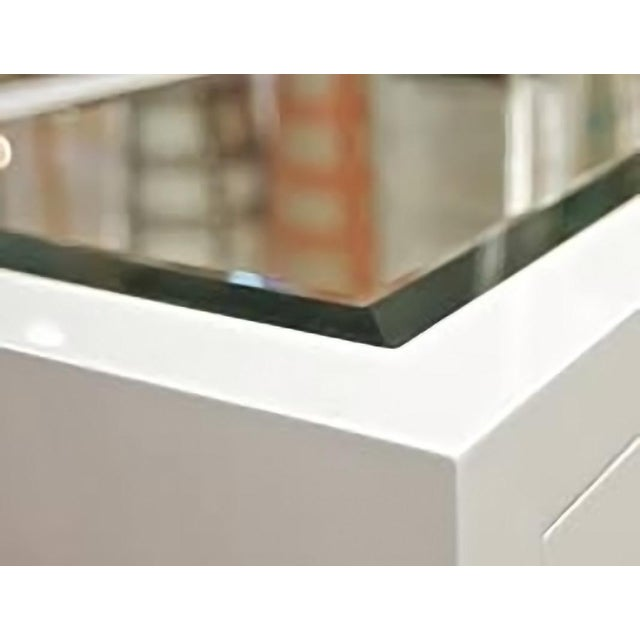 Worlds Away White Lacquer Greek Key 4-Drawer Dresser With Mirrored Top - Image 2 of 3