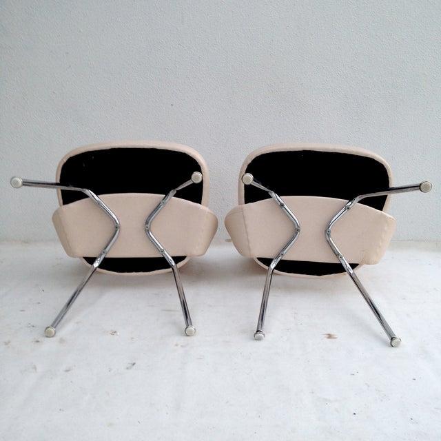 Image of Knoll Eero Saarinen Executive Side Chairs - A Pair