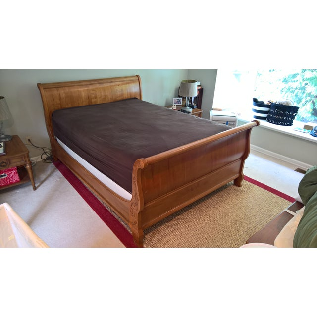 Ethan Allen Legacy Queen Sleigh Bed - Image 2 of 9