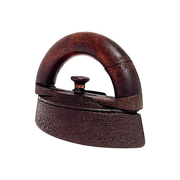 AC Williams Co. Antique Sad Iron - Image 4 of 6