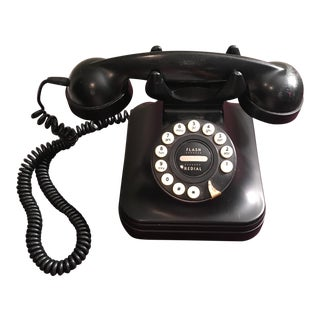Vintage Matte Black Telephone