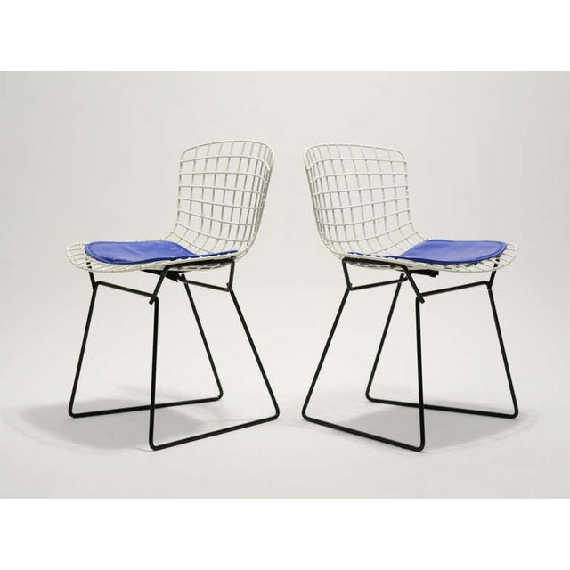 Pair of Bertoia child's chairs by Knoll - Image 4 of 9