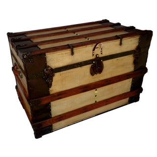 Traditional Natural Finish Packing Trunk