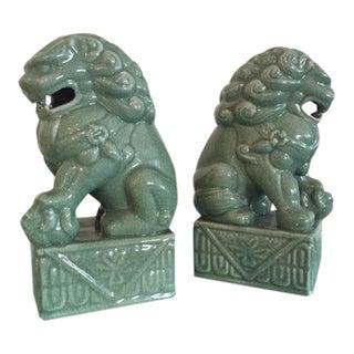 Traditional Seymour Mann Porcelain Foo Dogs