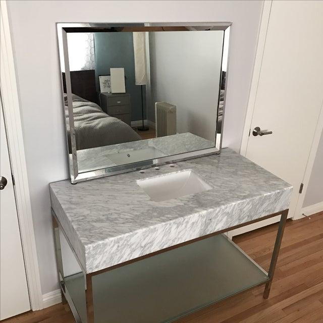Mid Century Modern Bathroom Vanity Ideas: Mid-Century Modern Marble Bathroom Vanity With Chrome