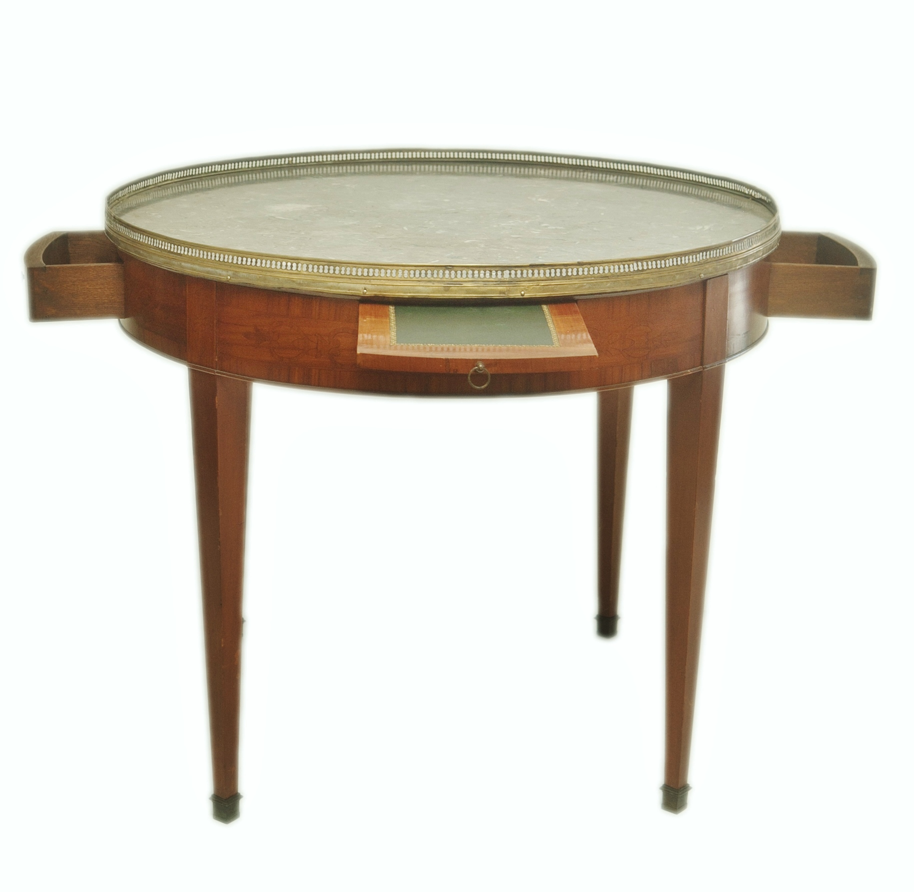 Large Round French Gueridon Table Chairish : large round french gueridon table 1767aspectfitampwidth640ampheight640 from www.chairish.com size 640 x 640 jpeg 25kB