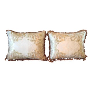 Lee Jofa Mulberry Home Pillows - A Pair