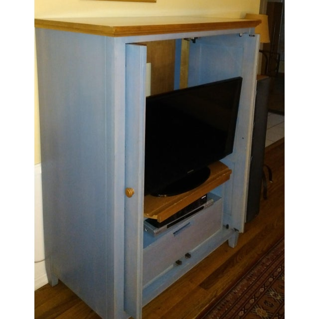 Ethan Allen Country Hutch/Media Center - Image 3 of 3
