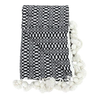 Woven Cotton Pom Pom Blanket