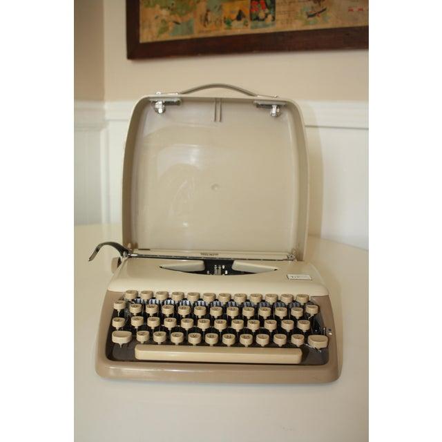 Vintage 1965 Triumph Tippa Beige Typewriter - Image 3 of 9