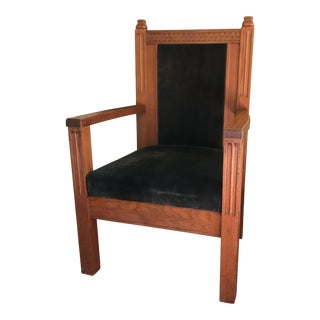 Velvet & Oak Pulpit Chair