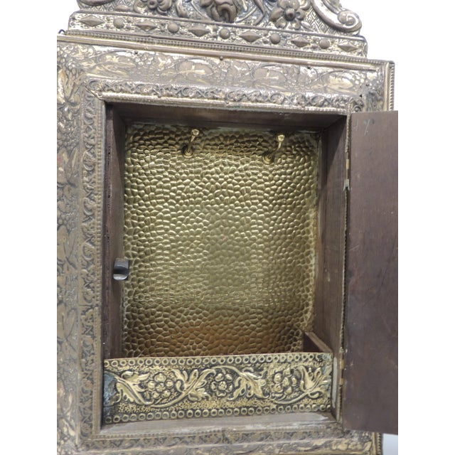 Antique Repose Brass Vanity Reliquary with Mirrored Door and Coat Brushes - Image 5 of 8
