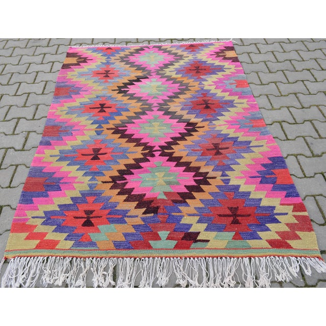 Hand-Woven Turkish Diamond Kilim Rug - 4′7″ × 6′4″ - Image 4 of 9