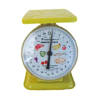 Vintage American Family Yellow Metal Kitchen Food Scale