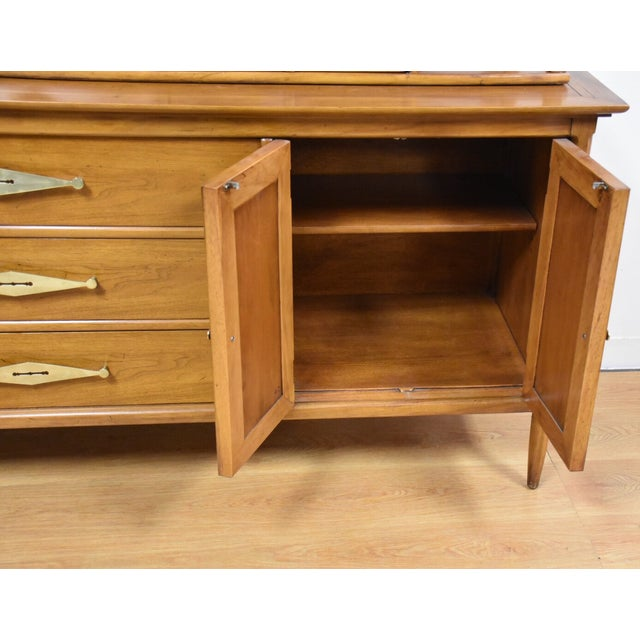 Sophisticate by Tomlinson Hutched Credenza - Image 5 of 11