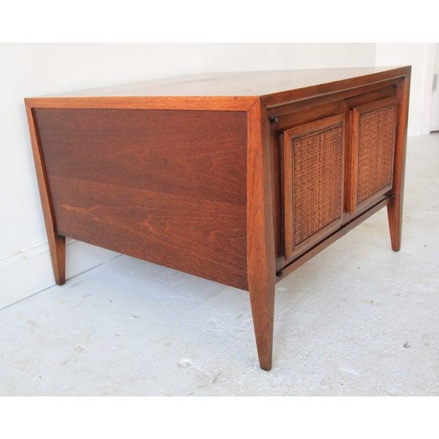 Vintage Mid Century Modern End Table - Image 4 of 6