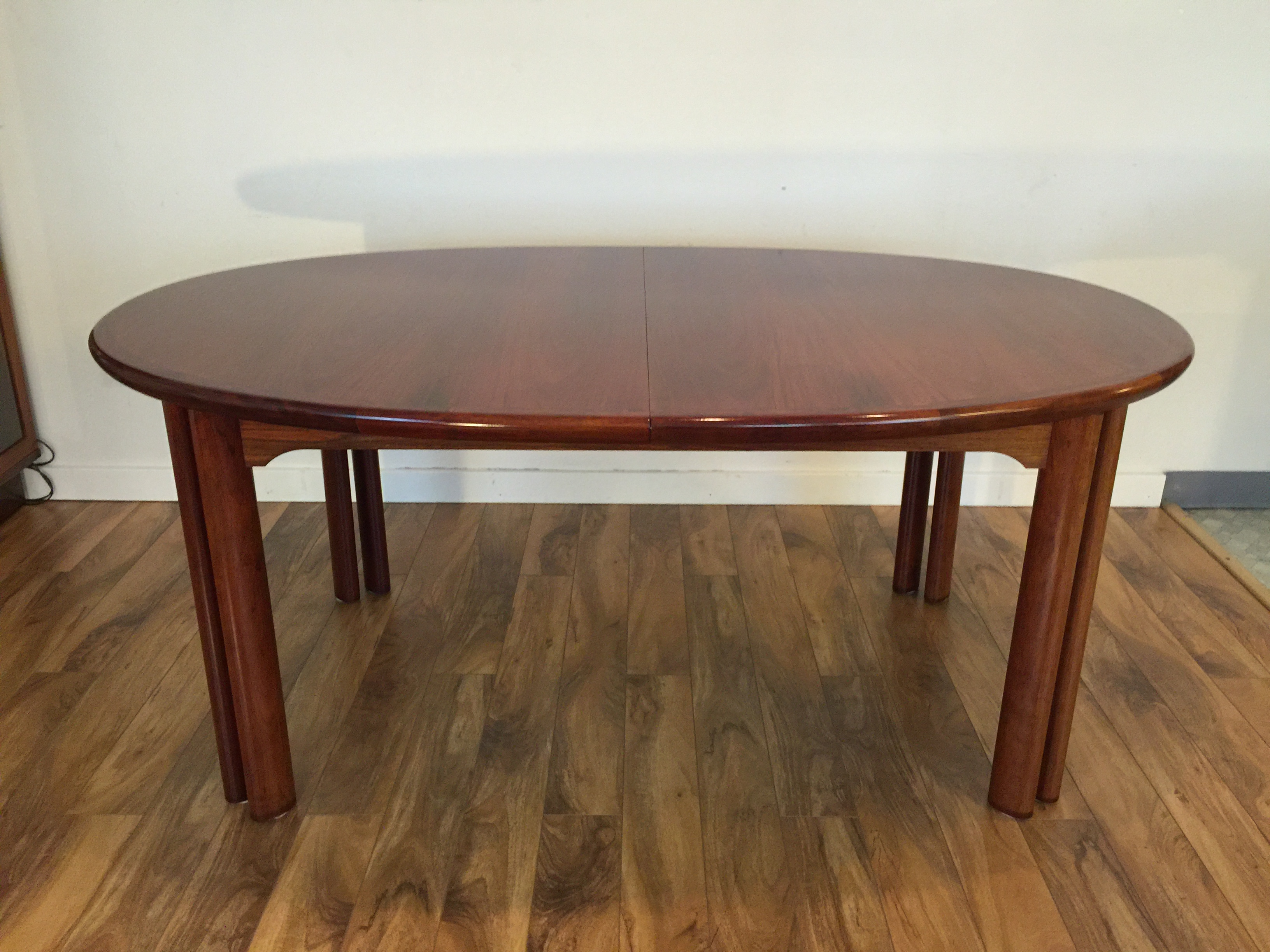 Danish Rosewood Dining Set Table amp 8 Chairs Chairish : 8d4c4d47 59d3 4d71 9354 ee34a12ba819aspectfitampwidth640ampheight640 from www.chairish.com size 640 x 640 jpeg 34kB