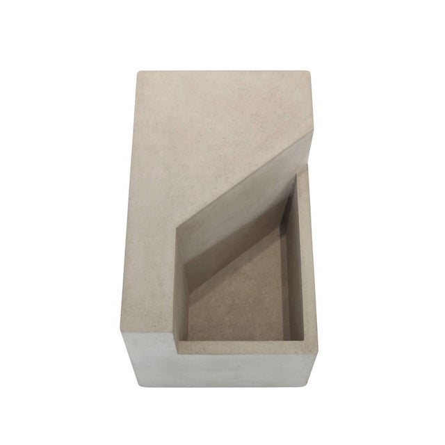 The Scarpa I Cast Concrete Bench or Planter - Image 4 of 6