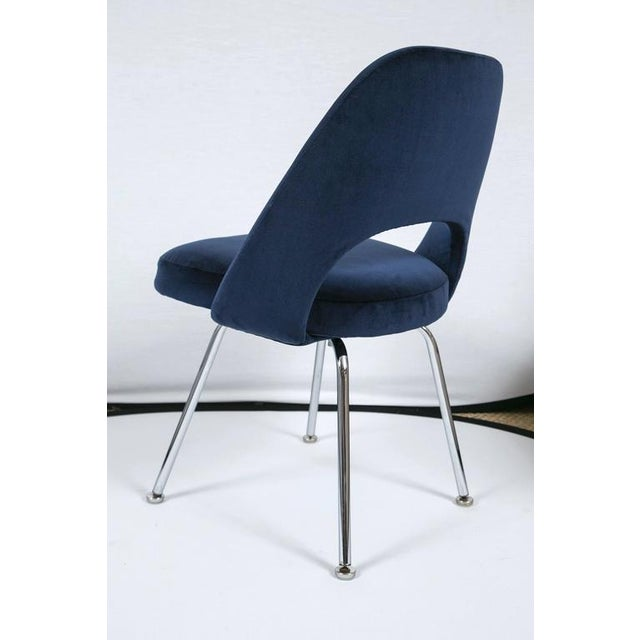 Saarinen Executive Armless Chairs in Navy Velvet, Set of Six - Image 4 of 7