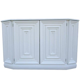 Console Cabinet in White Lacquer Finish