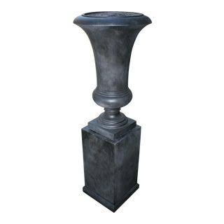 Large Westgate Urn & Pedestal in Ebony