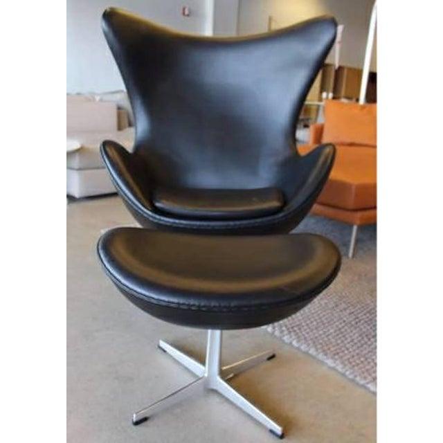 Arne Jacobson for Fritz Hansen Egg Easy Chair & Footstool - Image 6 of 9